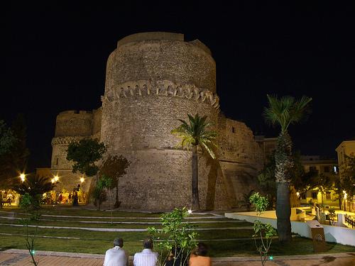 Castello Aragonese e la nuova piazza